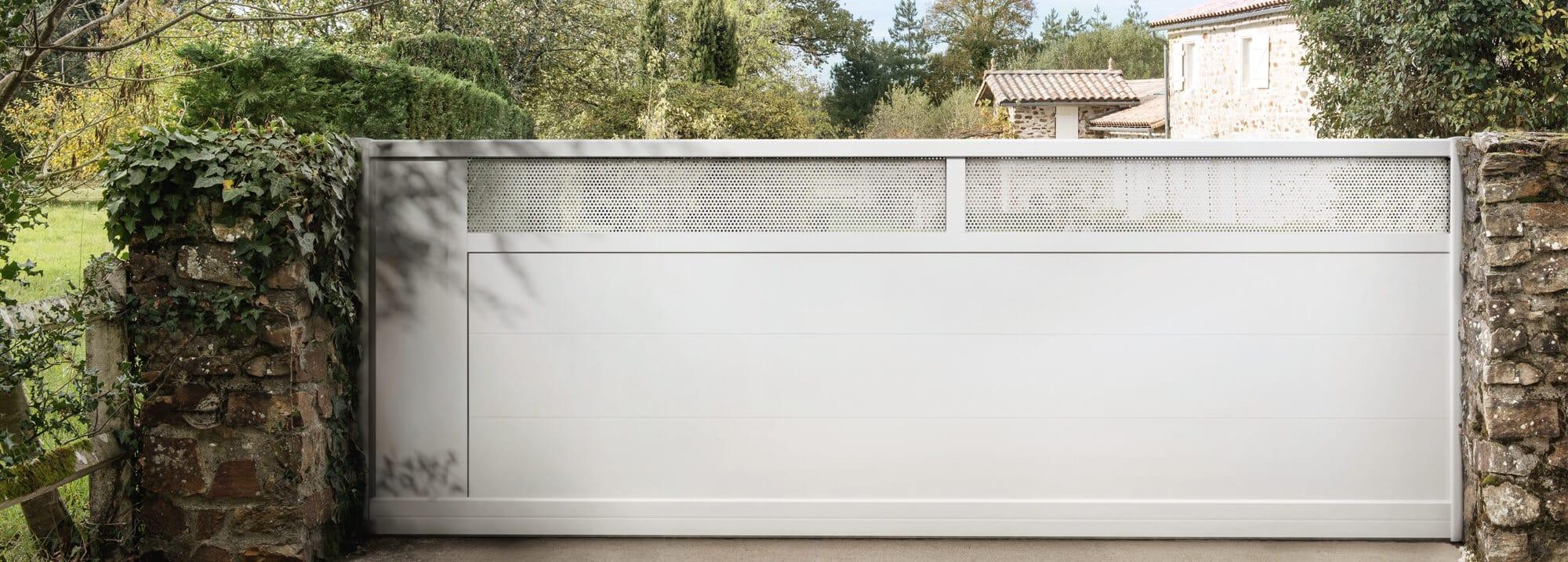 charuel fabricant de portails et cl tures depuis plus de 35 ans. Black Bedroom Furniture Sets. Home Design Ideas