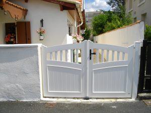 Portail PVC blanc CHARUEL manuel, modèle BANJO personnalisable
