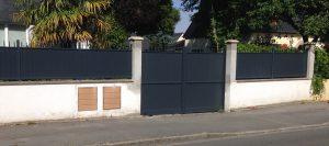 Installation d'un portail coulissant en aluminium, de sa clôture ainsi qu'un portillon