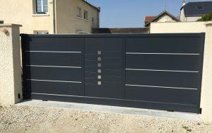 portail-coulissant-motorise-aluminium-modele-symphonie-coloris-gris-anthracite-ral7016