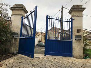 Portail traditionnel modèle Chateau à Ruelle-sur-Touvre