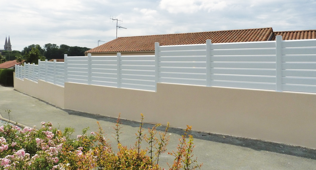 Clôture PVC modèle Esquisse coloris Blanc