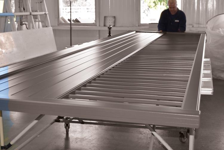 Assemblage mécanique un savoir-faire artisanal pour la fabrication de votre portail alu et PVC Charuel