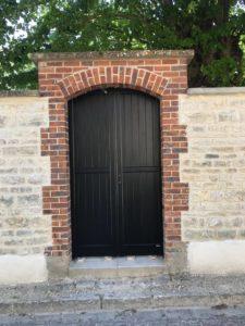 Portillon Charuel assorti au portail en alu gamme excellence fabriqué sur mesure